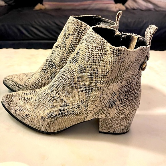 🍒 Faux Snakeskin Booties NEW condition